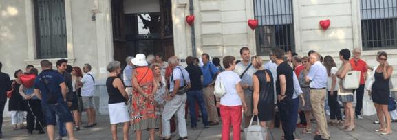 Devant le tribunal administratif de Grenoble, avant 9 h des grenoblois se mobilisaient