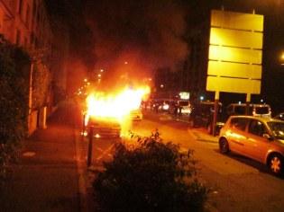 """Est-ce """"stigmatiser """" que de constater qu'une vingtaine de voitures ont été brûlées à Grenoble à l'issue du match de foot Algérie /Allemagne en juillet 2014 ?"""