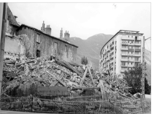 L'urbanisme Dubedout (PS/Verts) a envoyé les bulldozers pour démolir le bâti ancien remarquable côté impair de la rue Très Cloitres