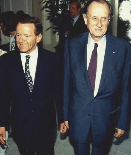 Devenu Ministre, Alain Carignon recevra l'Amiral Philippe de Gaulle , fils du Général