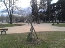 """cet """" arbre"""" a été planté depuis plusieurs années..."""