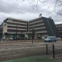 La municipalité a acquis ... 8M € le siège de cette banque pour lui permettre d'en construire un nouveau et lui loue à un prix défiant toute concurrence en attendant que les travaux soient achevés: pas belle la vie des banques sous Piolle?
