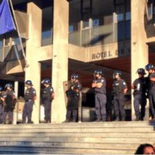 Les effectifs de police n'ont pas manqué êndant un an pour protéger le conseil municipal