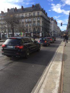 En l'absence de travaux des automobilistes ont eu l'outrecuidance d'emprunter l'avenue