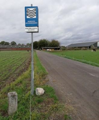 De grens loopt door de boerderij