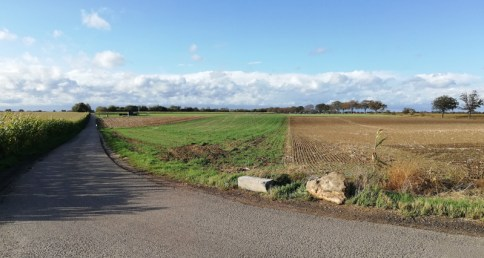 Afgebroken grenspaal bij de Majoorsweg
