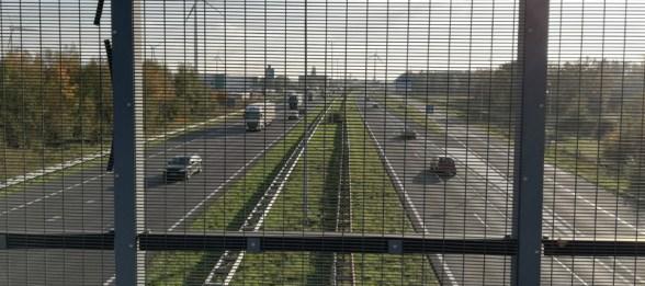 Vanaf de brug over de snelweg