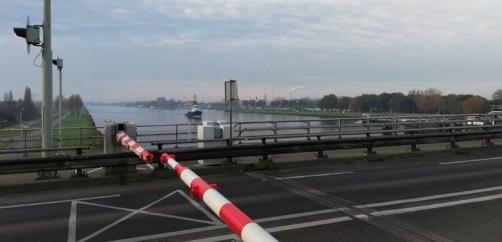 Bij de brug over het Kanaal Gent-Terneuzen