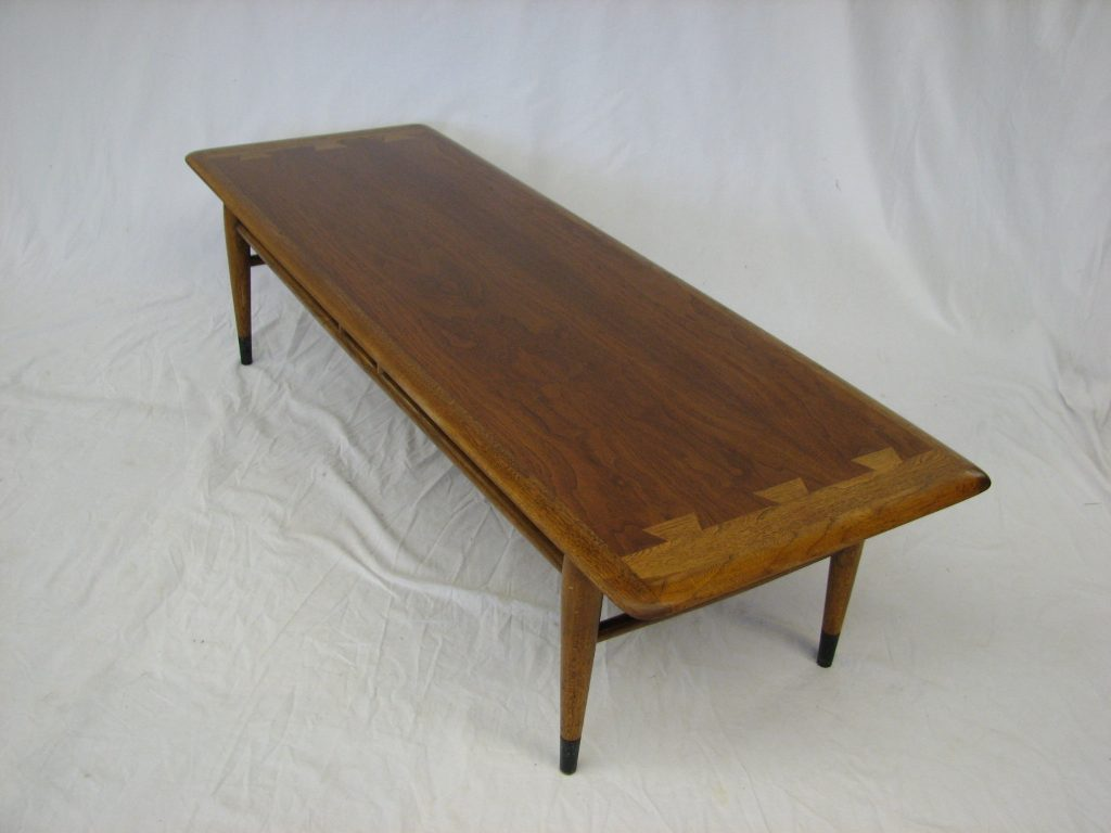 Lane Coffee Table 01 900
