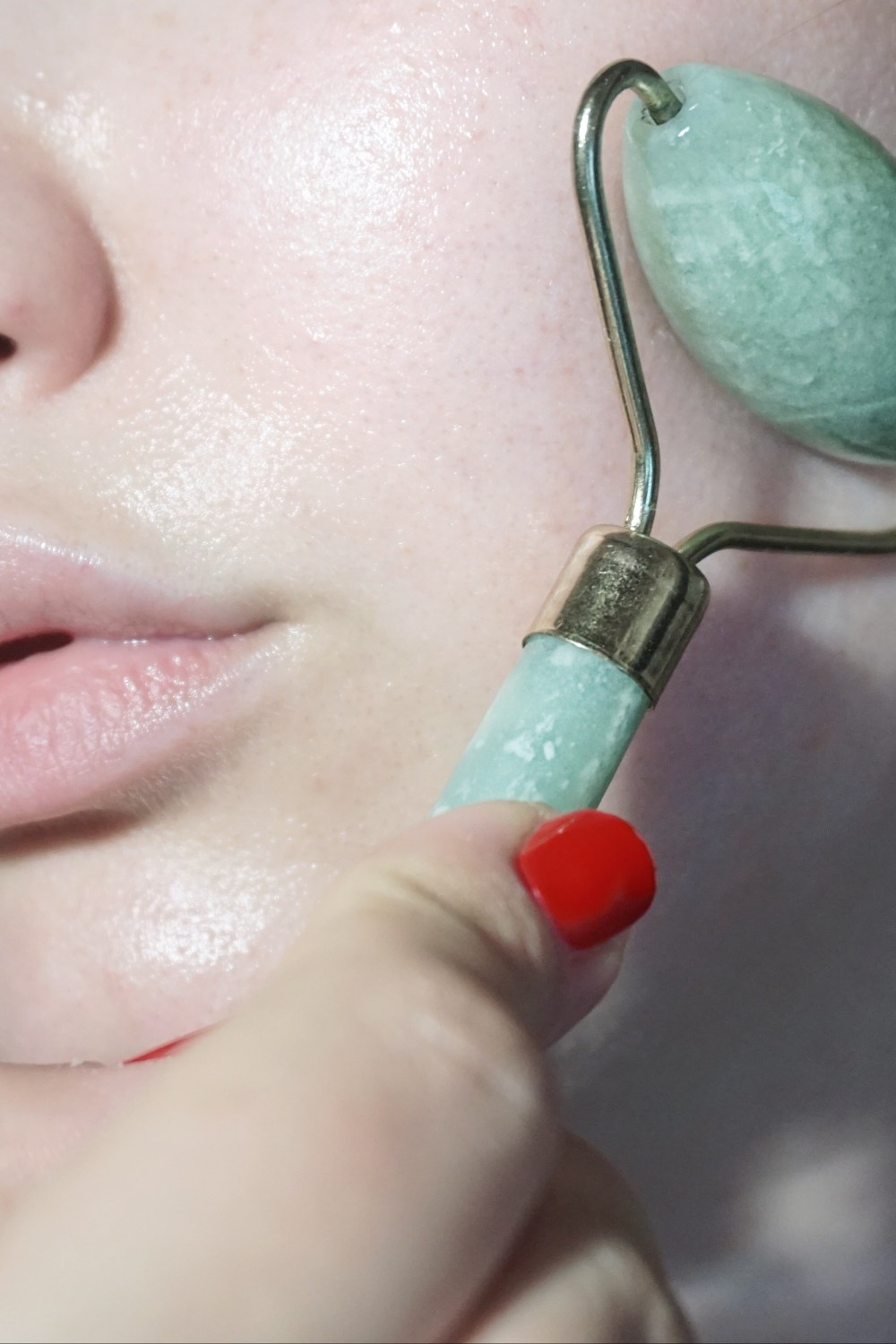 All About Jade Rollers & Gua Sha