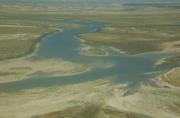 The Diamantina flows into the lake