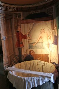 The Ducal bathtub, filled with hot water by servants