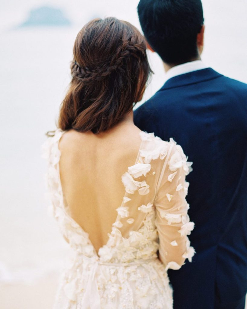 low back wedding dress hairstyle tips