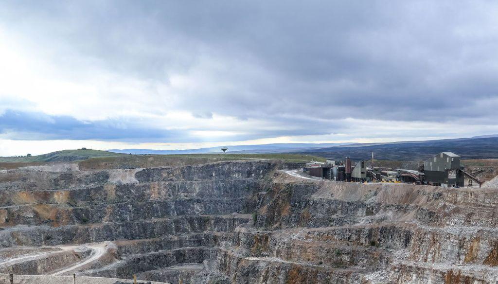 Quarry face at Coldstones Quarry
