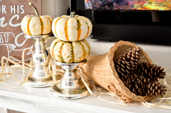 fall mantel decor ideas  |  greyhouseharbor.com