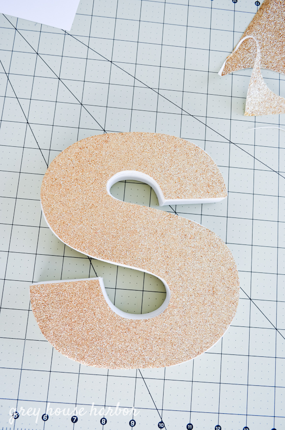 How to make a glitter letter with zero mess!