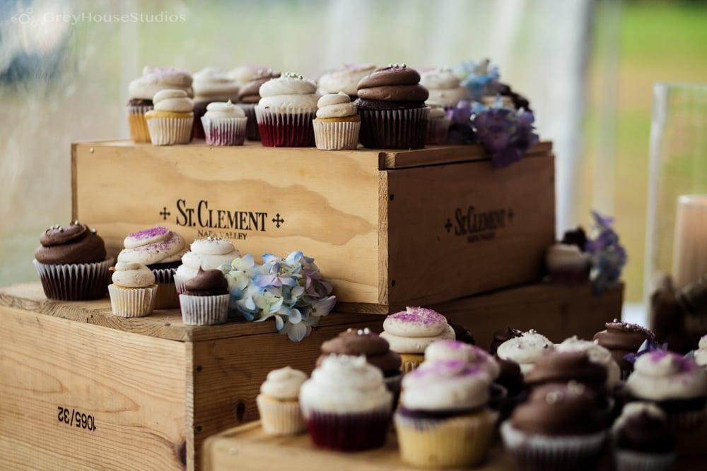 priam vineyards wedding reception dessert cupcakes photos