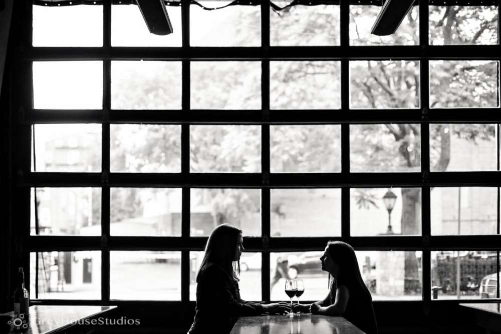 bar-restaurant-new-haven-engagement-photos-ct-photography-cristina-sarah-greyhousestudios-005
