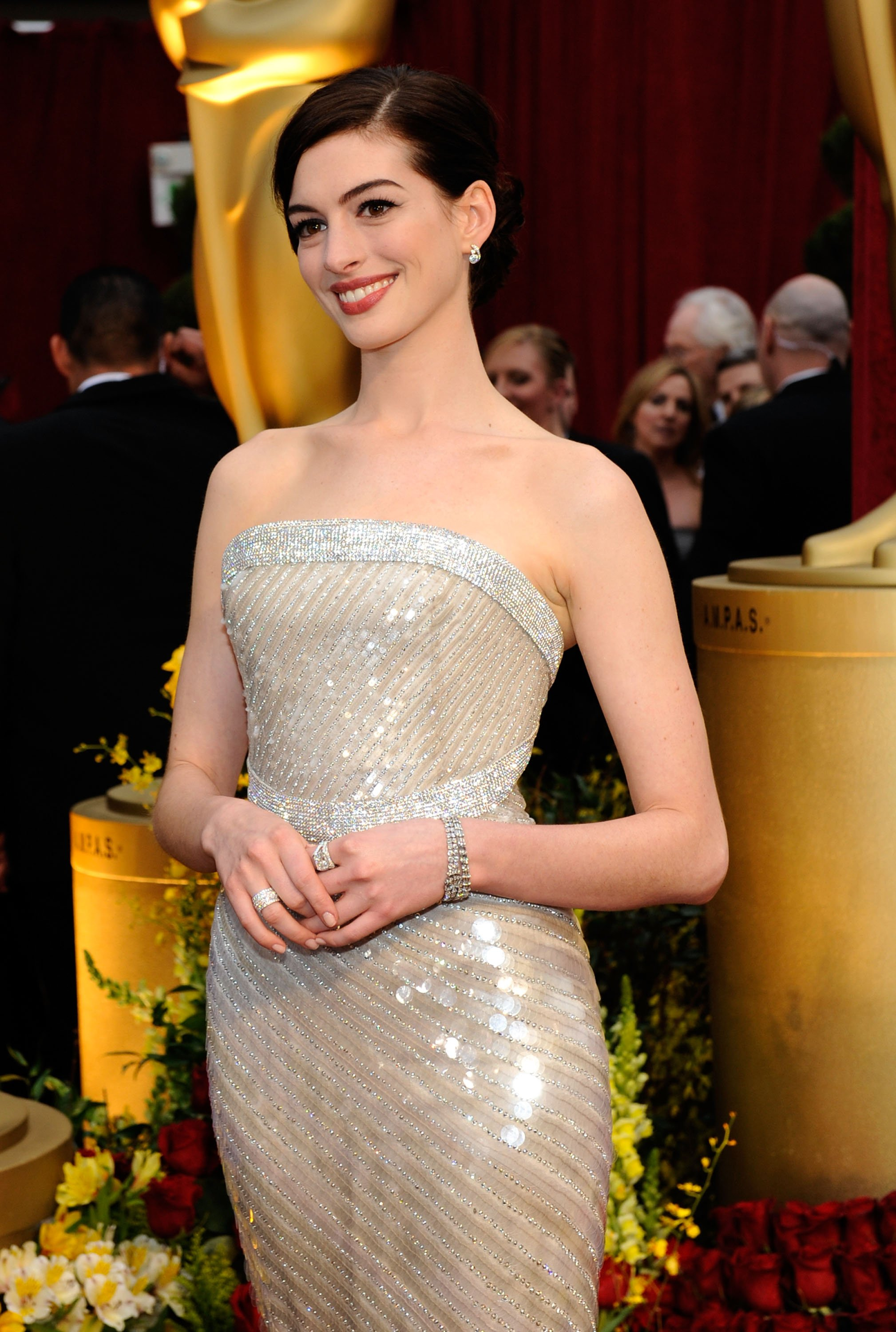 50188_celebutopia-anne_hathaway_arrives_at_the_81st_annual_academy_awards-04_123_57lo