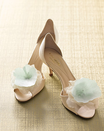 mwd104646_spr09_shoes_xl