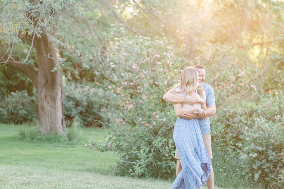 Bright, Fun, Natural, Engagement Session at Sunset - Blue & Neutral Inspiration - Summer Engagement Session