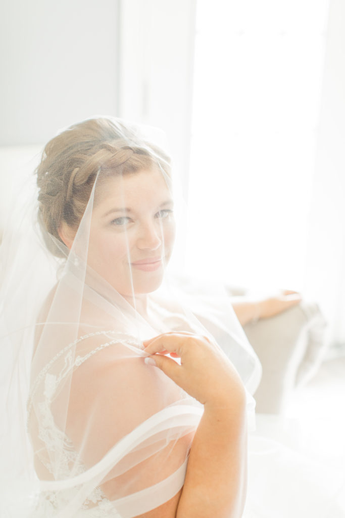 Bride with Veil - Orchard View Bridal Suite - Detail Photos for Micro Wedding - Ideas for what to wear for Wedding Photography, Modern Wedding Inspiration. Romantic Micro Wedding Orchard view - Grey Loft Studio is Ottawa's Wedding and Engagement Photographer for Real couples, showcasing photos that are modern, bright, and fun. Petite Wedding, Elopement Wedding, COVID Wedding Inspiration 2020