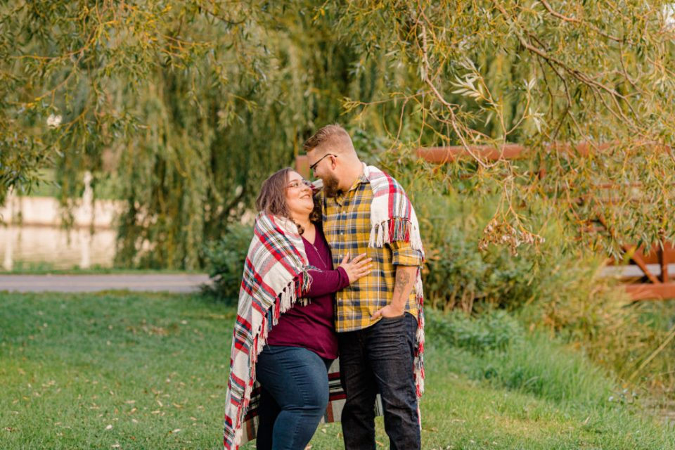 Cute pose with blanket-Fall Session - Engagement Session - Ottawa Wedding Photographer - Grey Loft Studio - Wedding in Ottawa - Yellow & Plaid with Burgundy Knit Sweater and Jeans - Ottawa Photography Spots - Photographer Needed Ottawa  - Ottawa Camera Traffic - Ottawa Photographers Wedding - photographer in Ottawa