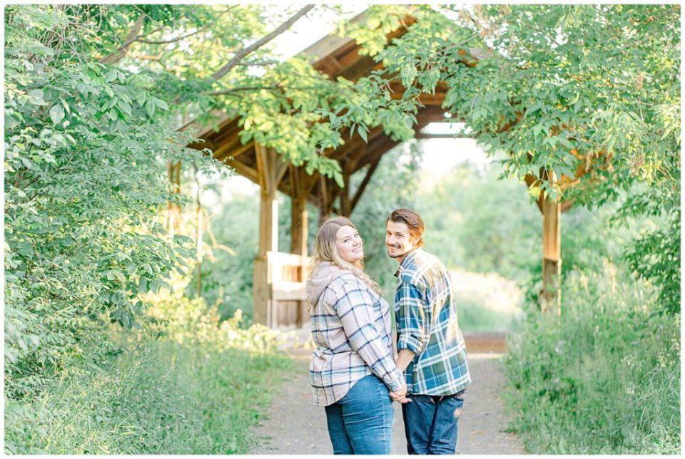 Engagement Photo - Ottawa Wedding Photographer - Grey Loft Studio