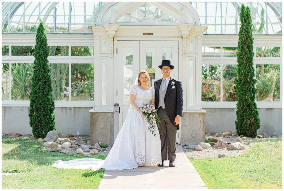 Bride & Groom - Tropical Greenhouses - Ottawa - Wedding Day - Grey Loft Studio - Wedding Photographer