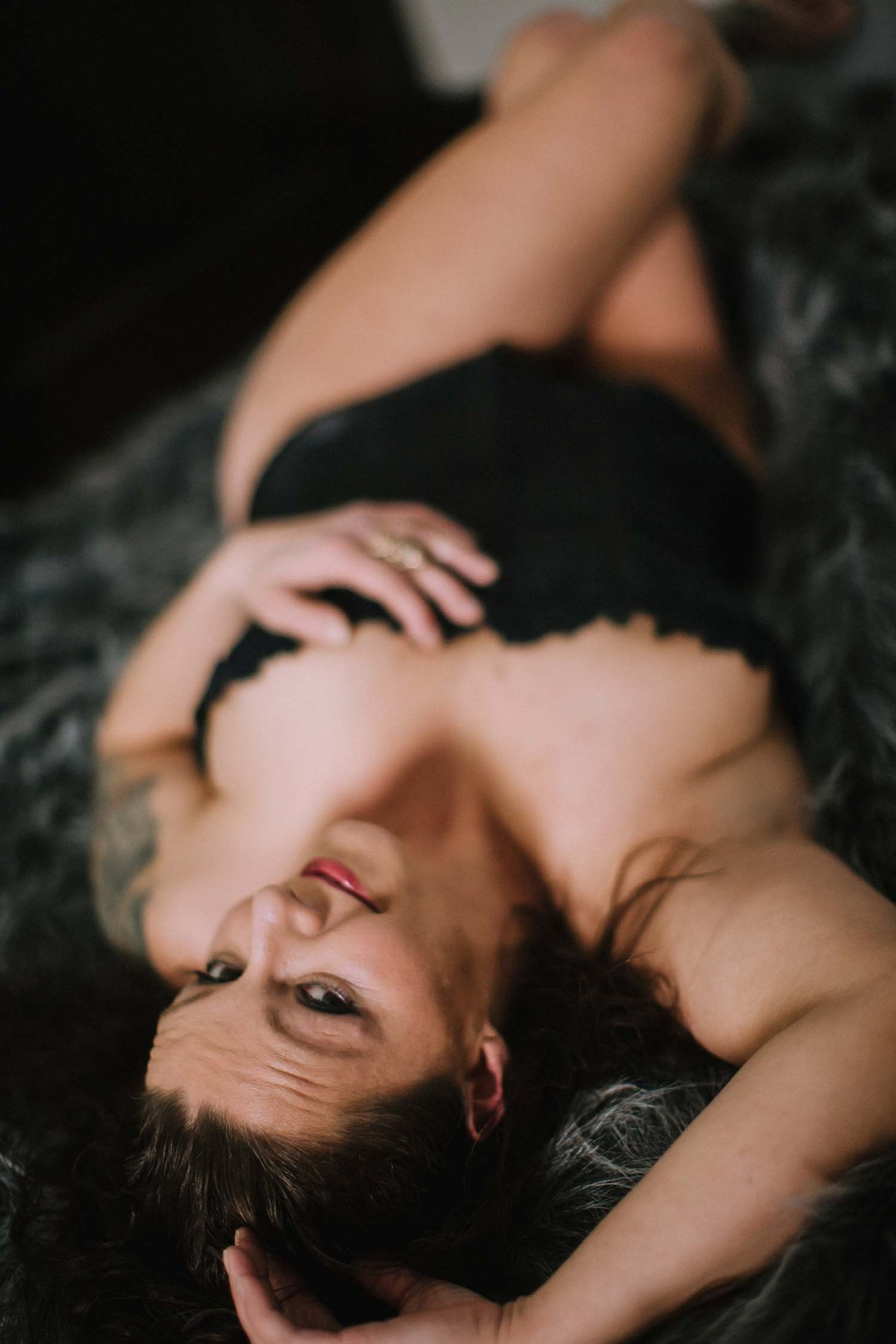 Jamie sensual adult sophisticated, portrait natural light curvy full figured lingerie Twin Cities Boudoir Photography Intimate portraits