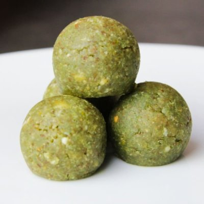 energy ball spirulina matcha