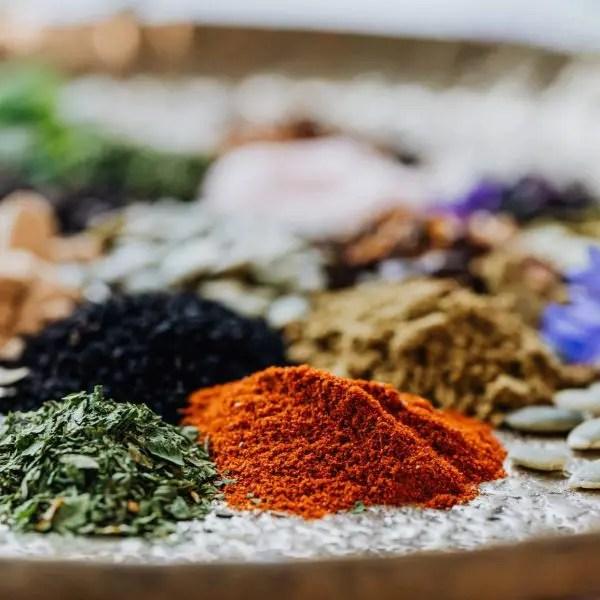 spezie naturali alimentazione vegetale
