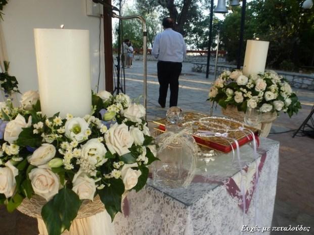 0003 Λαμπάδες γάμου με τριαντάφυλλα vendela,γυψύφυλλο,λυσίανθο