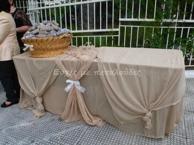 στολισμός-γάμου-τραπέζι-μπομπονιέρων-Κοίμηση-Θεοτόκου-Μούγλων-1