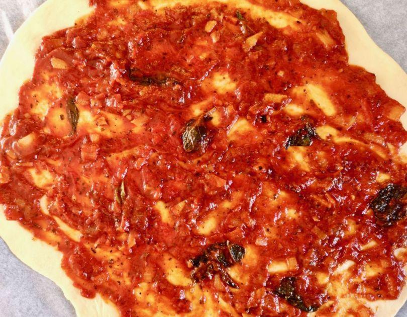 Heimagerð pizzasósa eins og hún gerist best