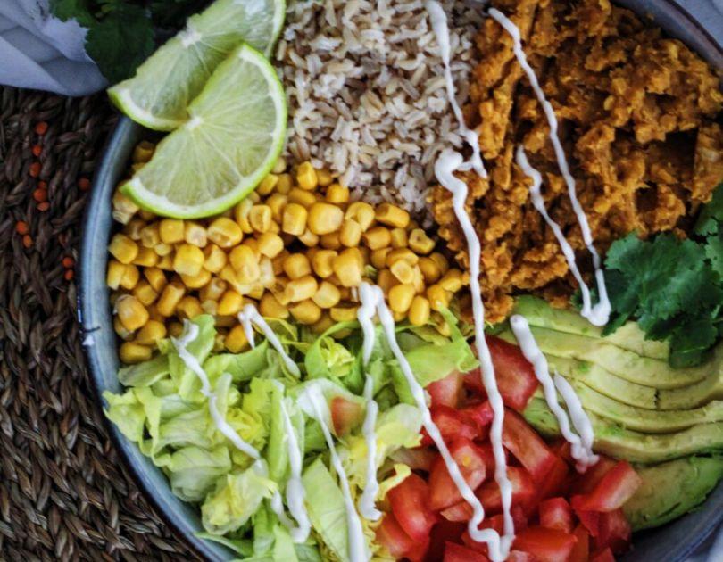 Litrík Taco skál með rauðum linsum og avocado