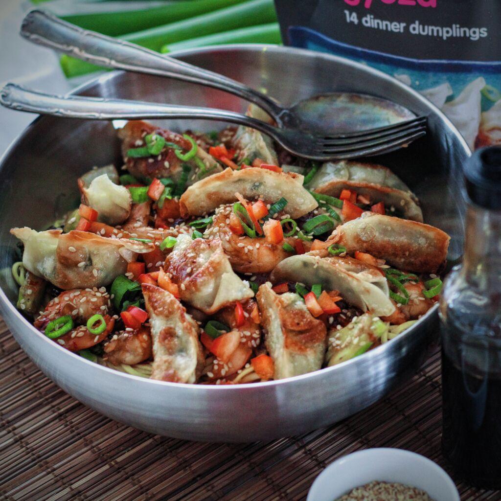 Rækju dumplings með risarækjum, eggjanúðlum og grænmeti