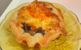 Жульен с курицей и грибами в слоеном тесте: фото, рецепты ...