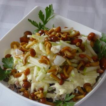 Вкусные салаты с маринованными грибами опятами: фото ...