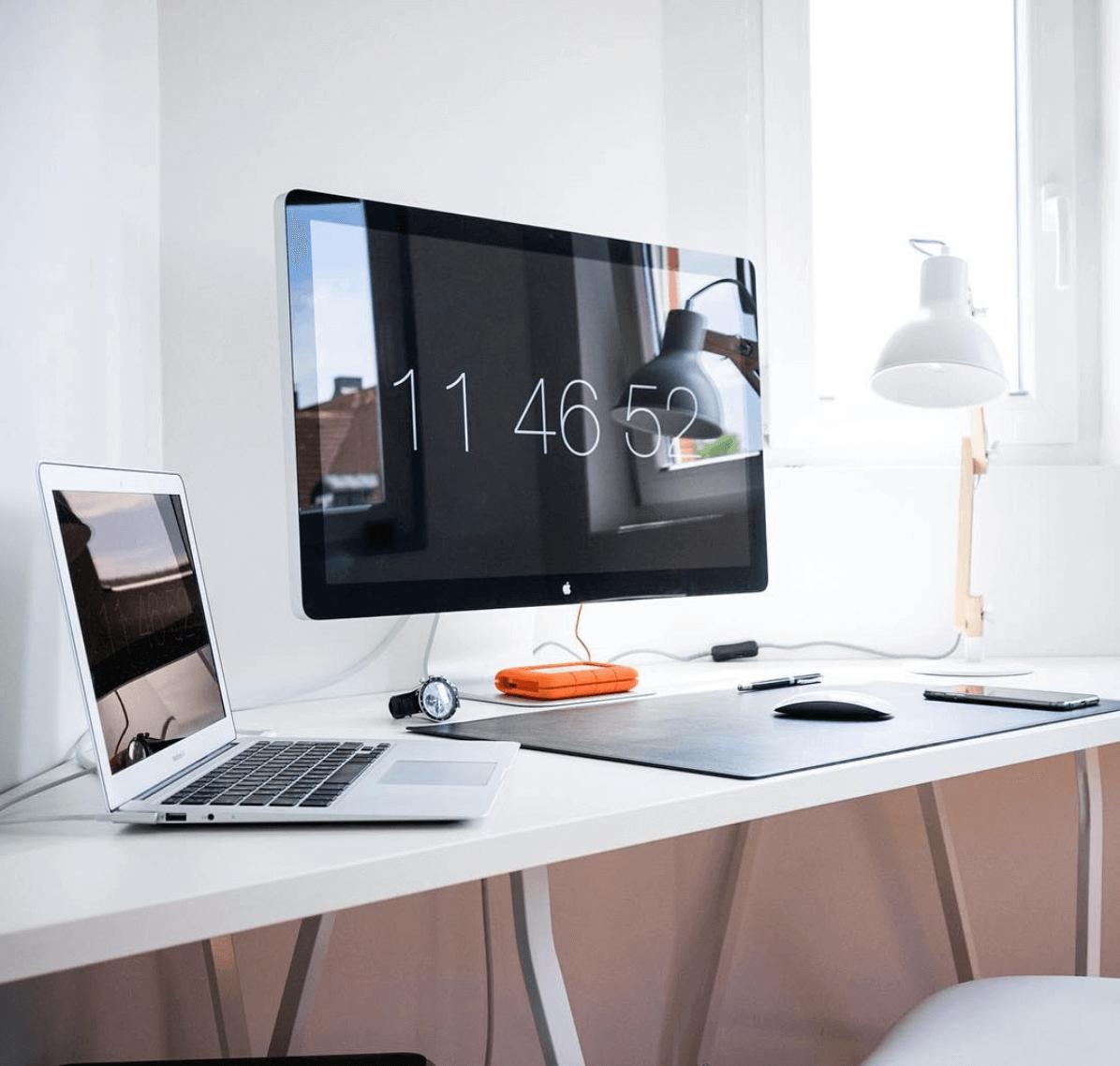 Minimalist Setup For Desk By Pierre