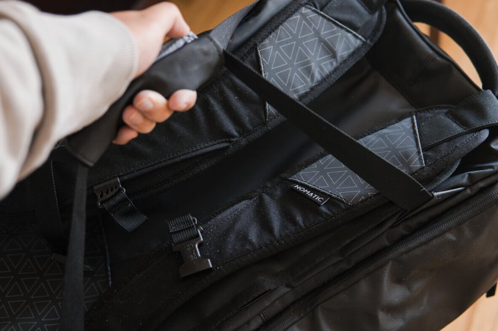 nomatic travel bag review