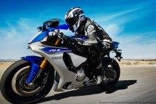 2015-Yamaha-YZF-R1-22