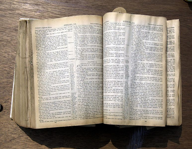 8 Reasons You Should Bail on Your Bible App and Get Back to Your
