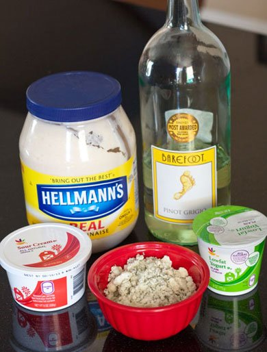 Homemade Blue Cheese Dressing for Grilled wings