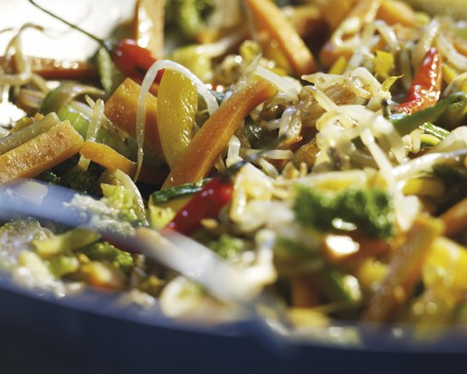 PAN-FRIED VEGETABLES WITH BEAN SPROUTS