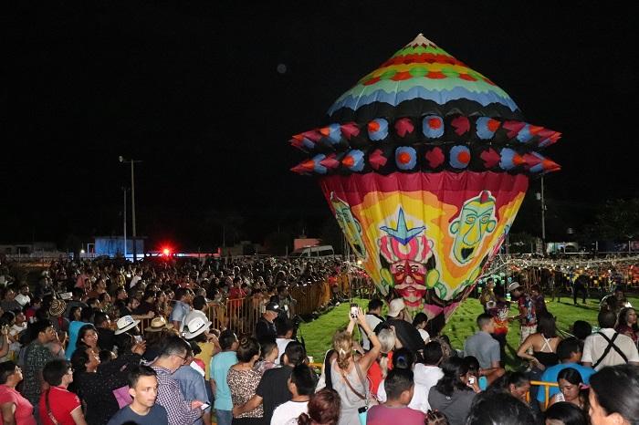Con luces y colores, se llevó al cabo el primer Festival Globo Maya de Tahmek