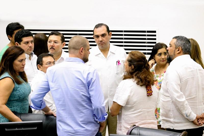 Panistas se oponen al millonario presupuesto anual del Poder Legislativo