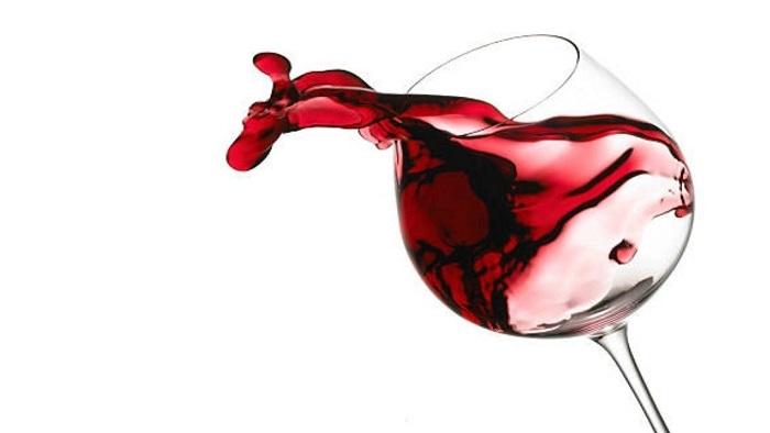 Según un estudio, el vino tinto previene enfermedades y demencias