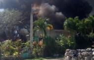 Por un cortocircuito y la falta de agua, se incendia una humilde casa, en Cenotillo