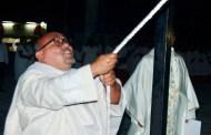 Cientos de católicos le dan la bienvenida al nuevo párroco de Kinchil, Juan Martín Méndez Bojórquez,